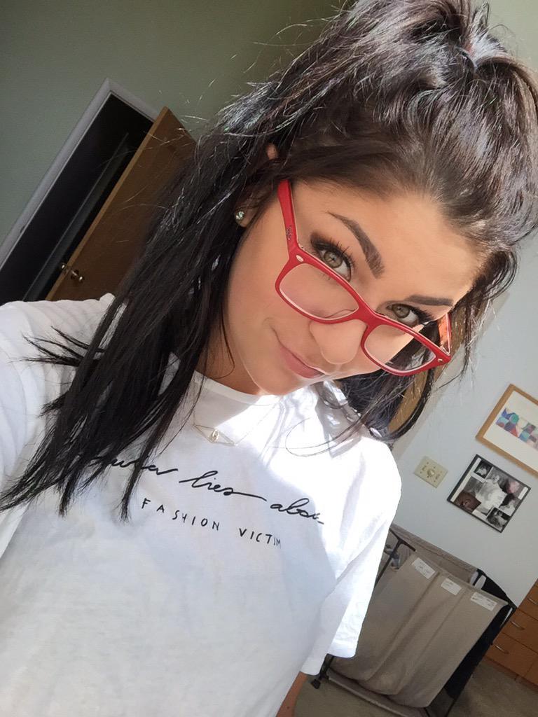Andrea Russett40