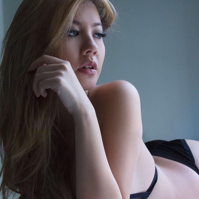 Jennifer aniston using dildo