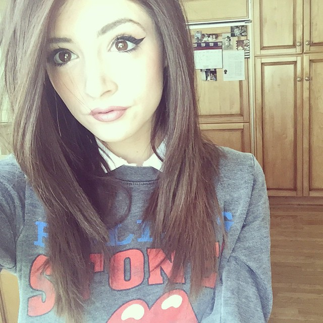 chrissy costanza sexy photos pics sexy youtubers