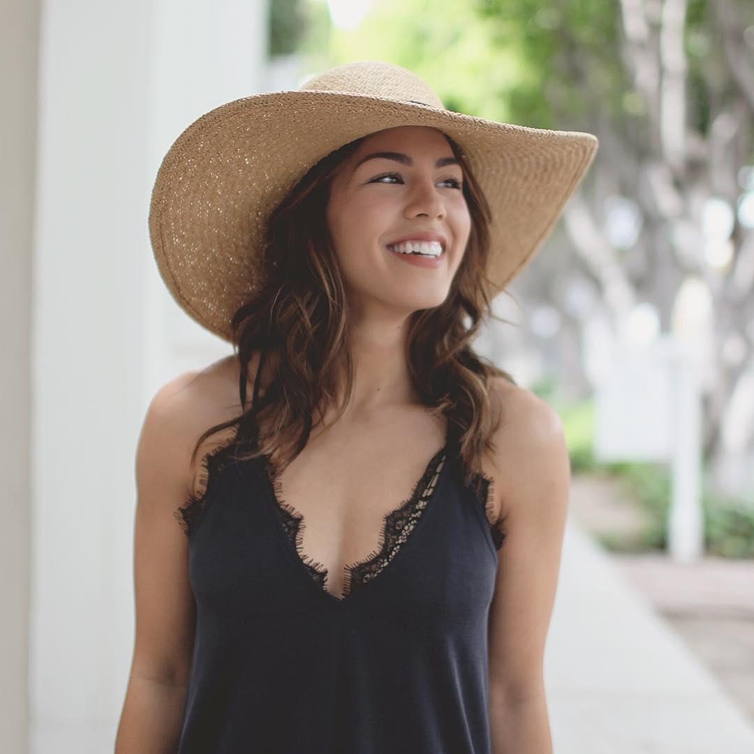 Megan Batoon Sexy Pictures (16 pics)