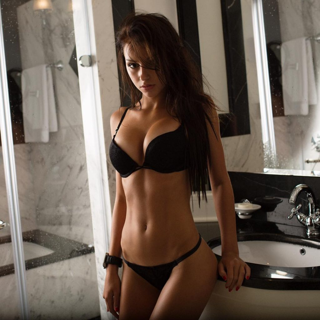 Galina Dub Cleavage Pictures 42 Pics 1 Vid - Sexy Youtubers-3117