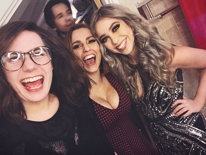 Hannah Witton Sexy  Cleavage 27 Pics - Sexy Youtubers-3963
