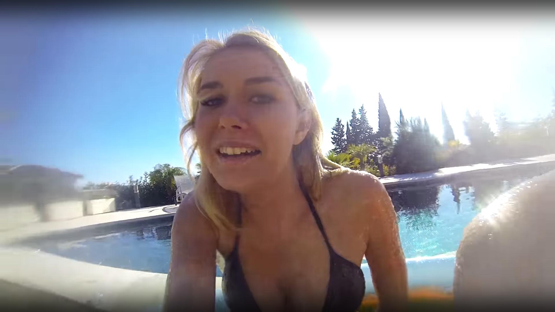 IamSanna Big Cleavage And Cameltoe (25 Pics) - Sexy Youtubers