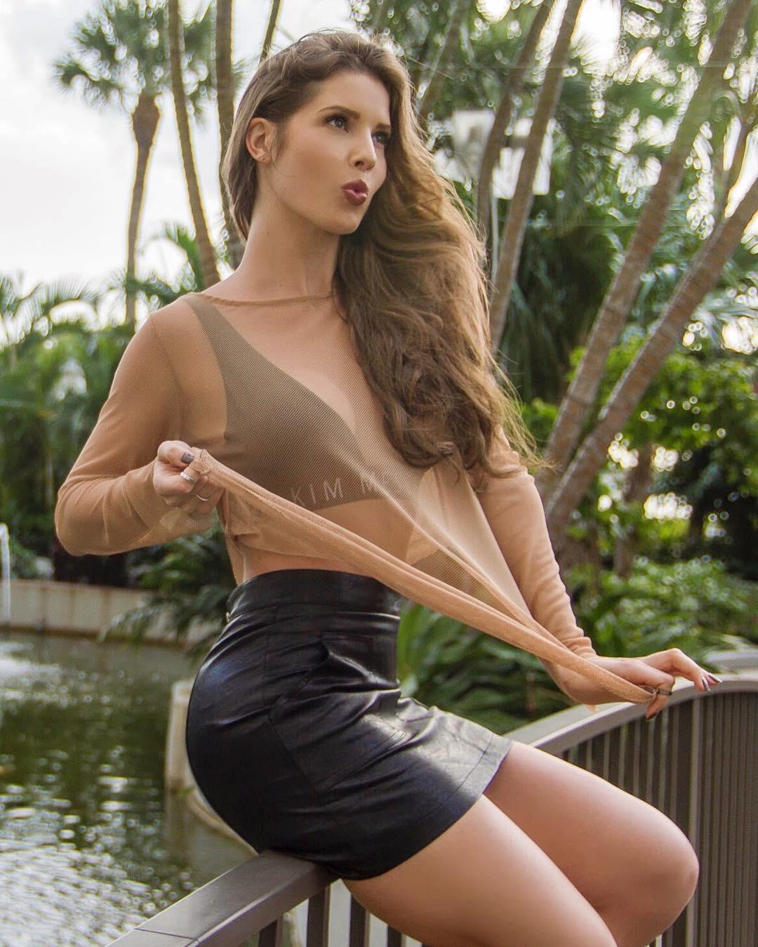 amanda nude sexy hot