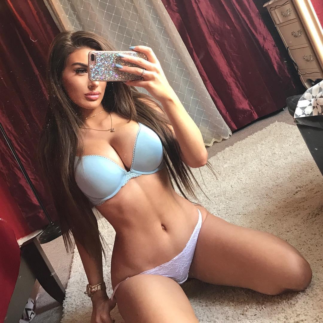 cute teenage girl orgasming