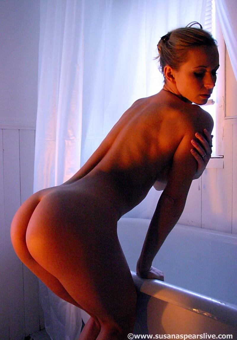 Korean naked beautiful girl