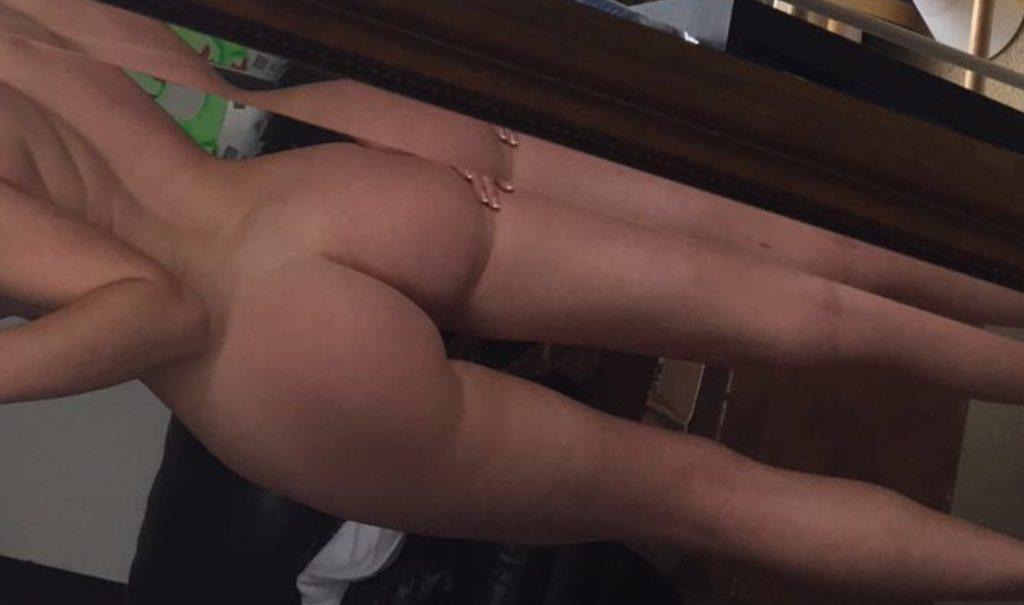 universal sexy naked women