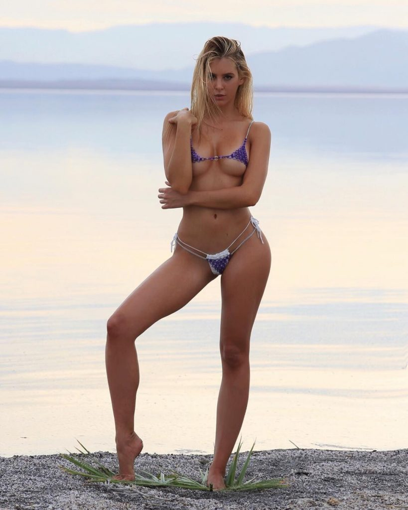 Bri Teresi Nude Pics