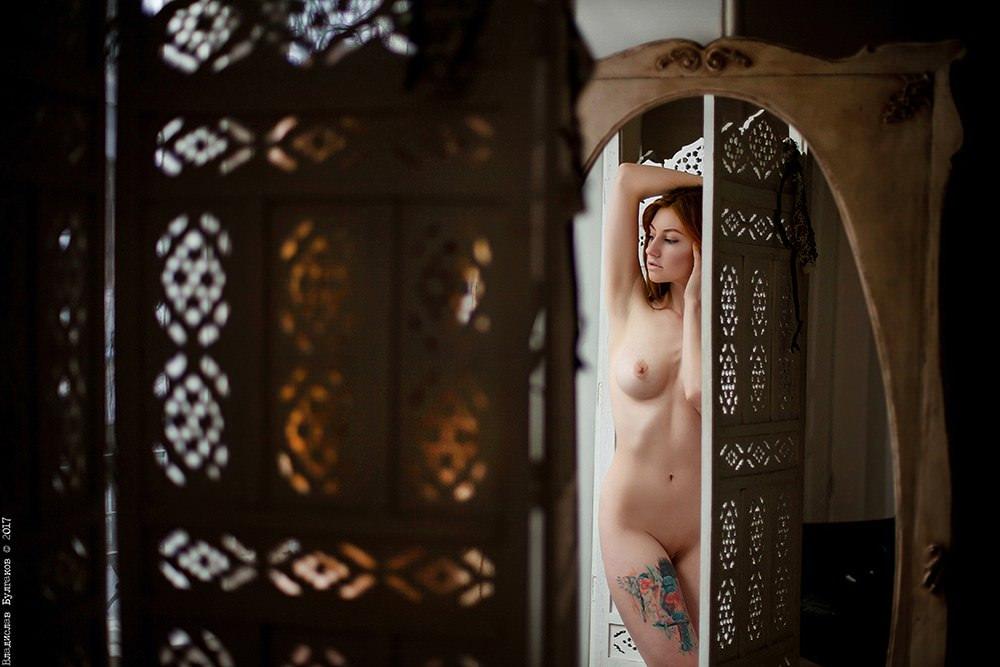 Twenty naked pentecostals in