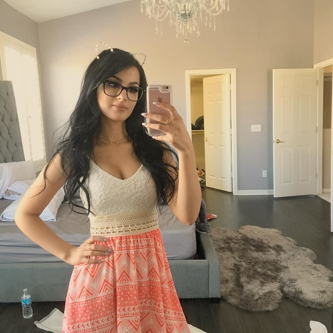 Sssniperwolf Sexy Pictures