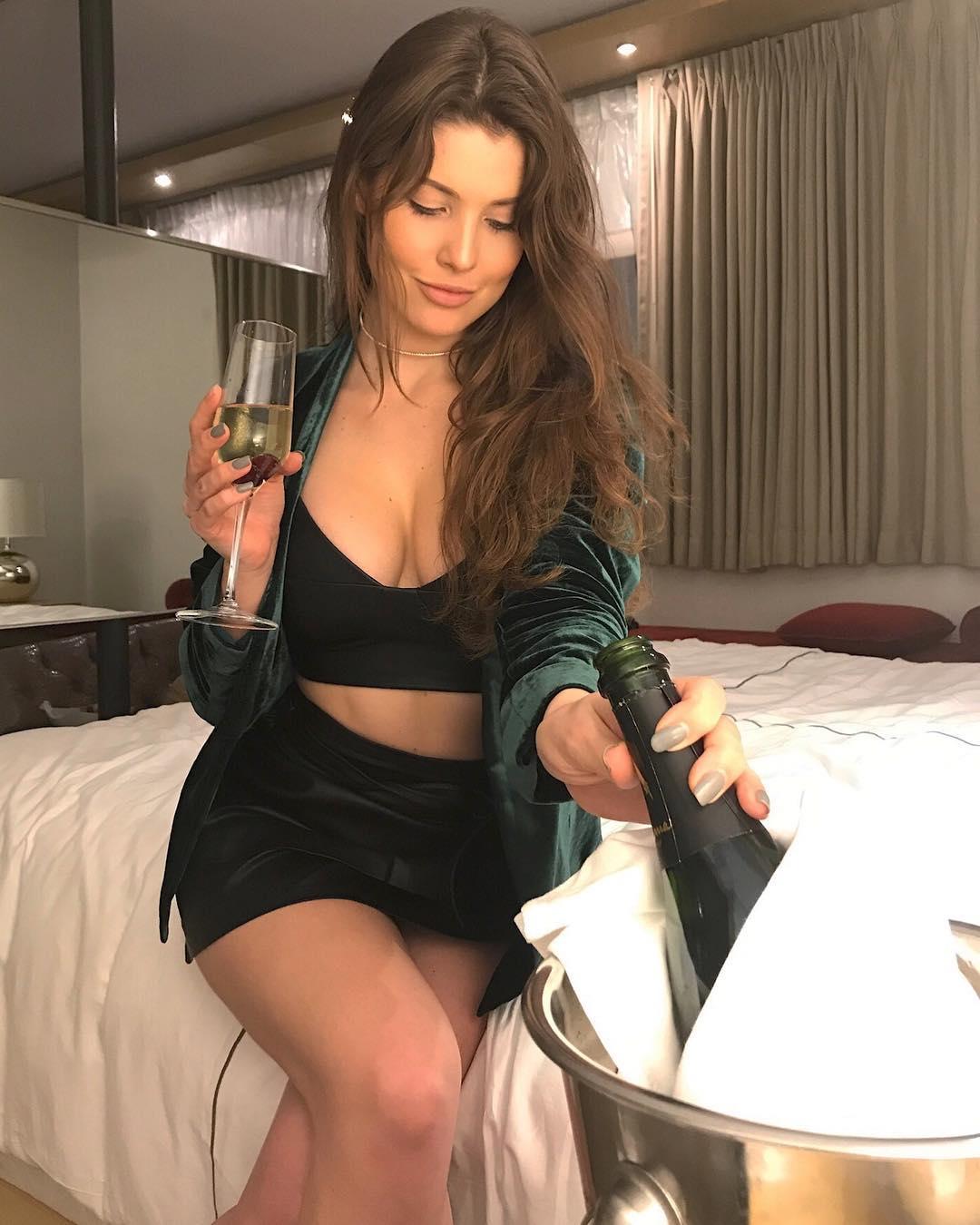 Amanda Cerny Nude Leaked Pics  Celebs Unmasked
