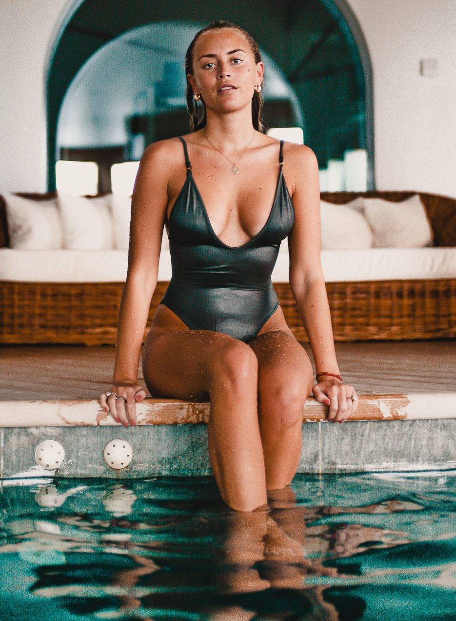 janni-deler-sexy-pictures-41-pics