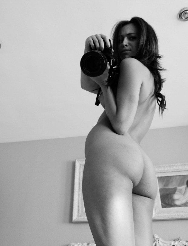Pam cole nude model
