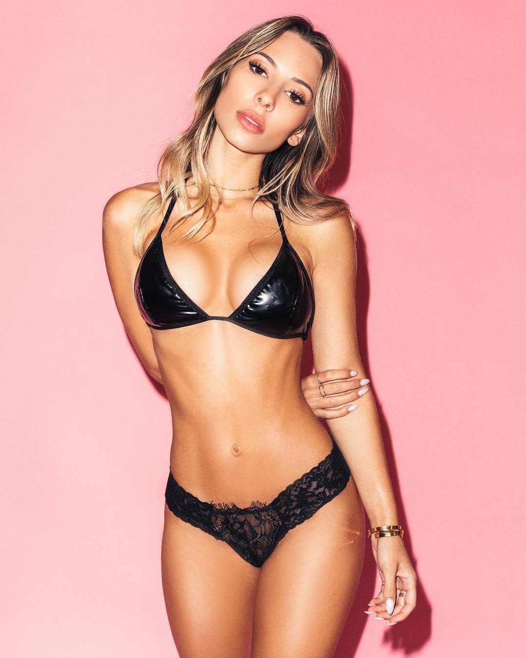 ayla-woodruff-black-bikini