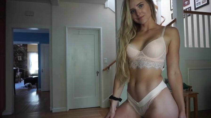 caroline-zalog-sexy-lingerie