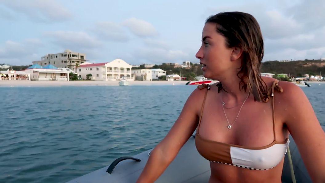 Elayna Carausu bikini pokies