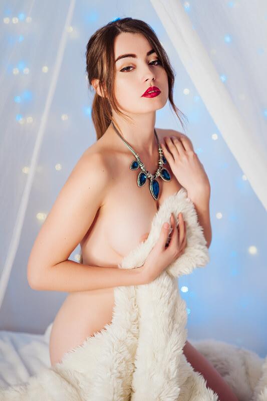 anna zapala lingerie