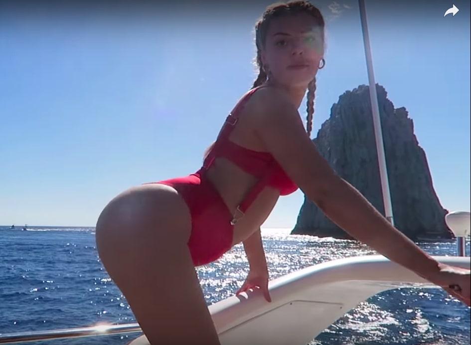 Alissa Violet Butt