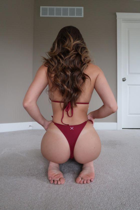 Sexy Youtubers Christina Khalil