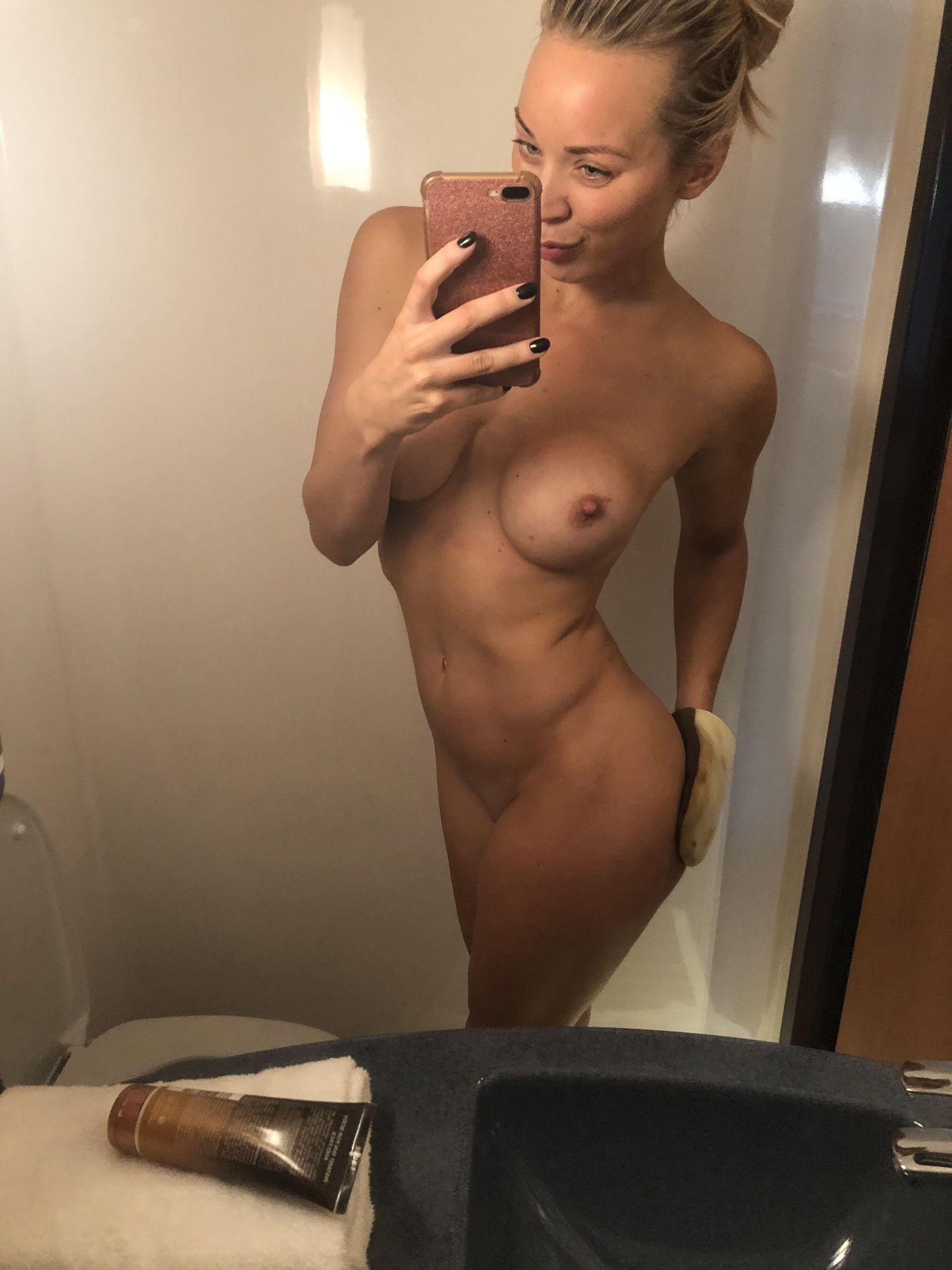 Gabriella abutbol desnudo se filtró