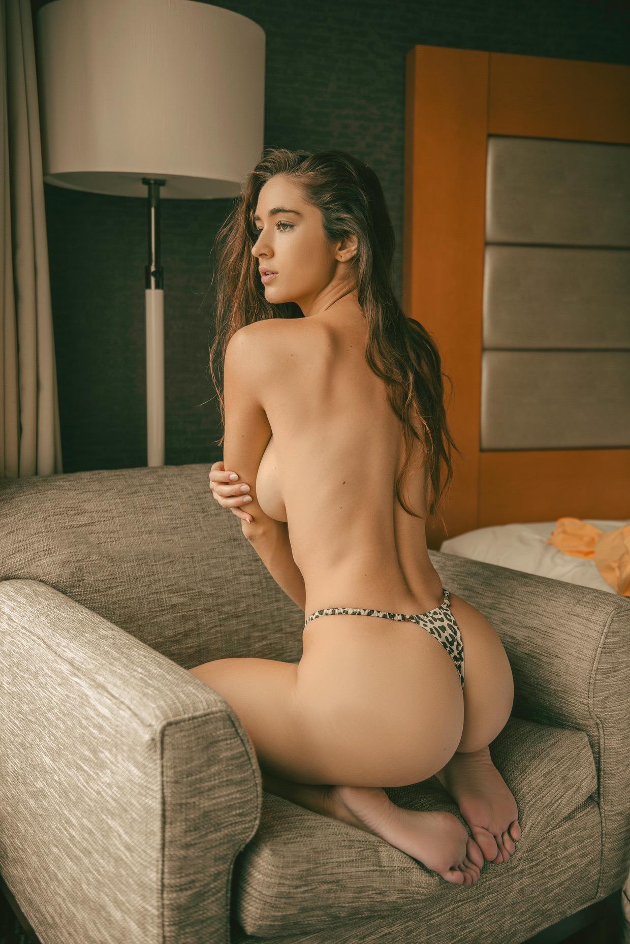 Valentina Bissoli  nackt