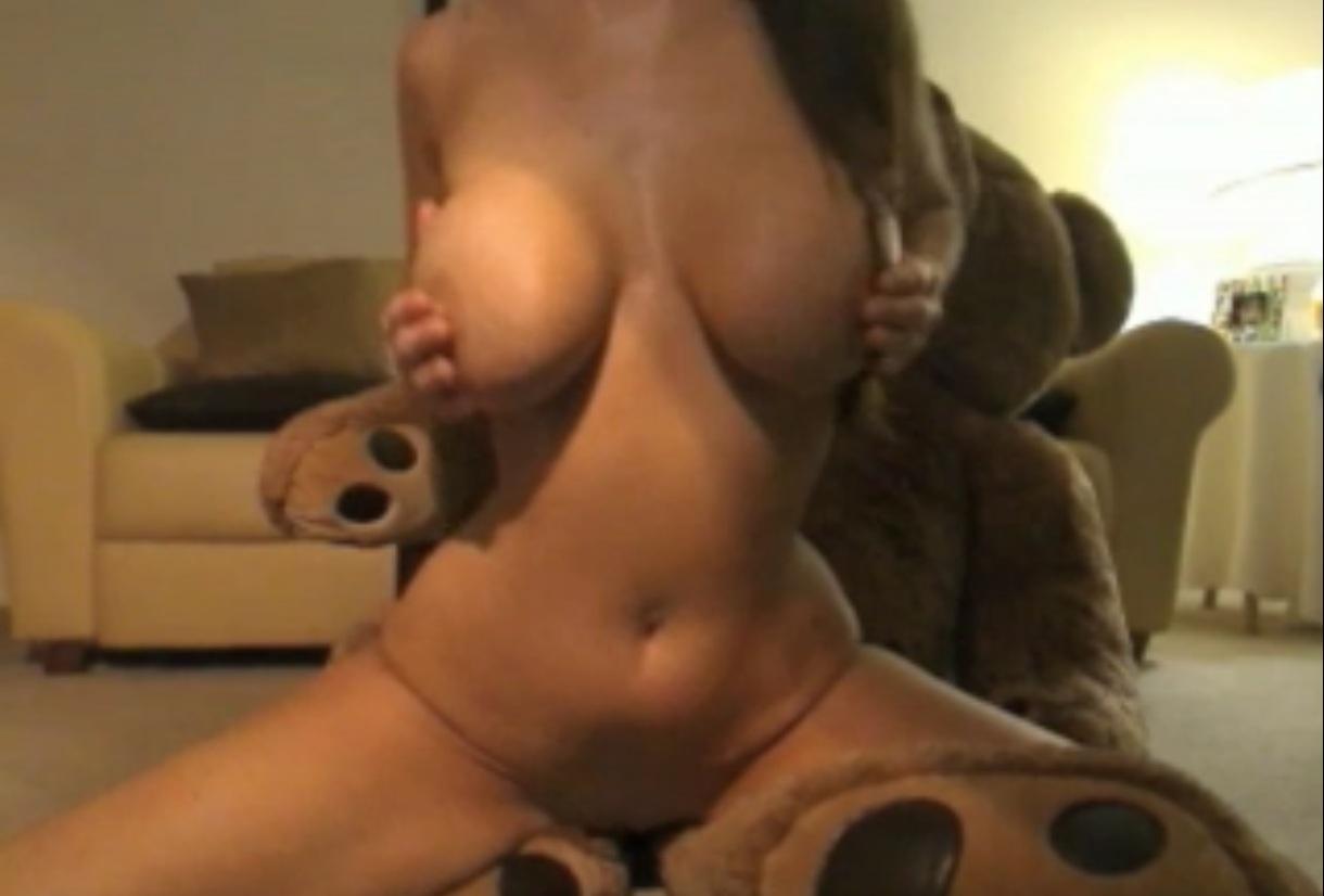 Kneecoleslaw Nudes