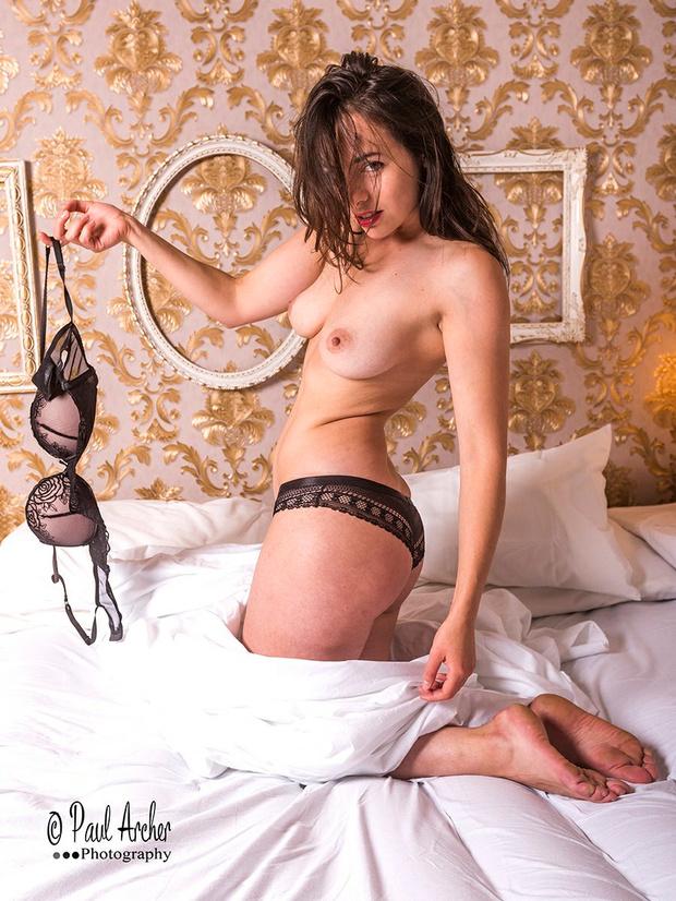 Tiffany Alvord  nackt