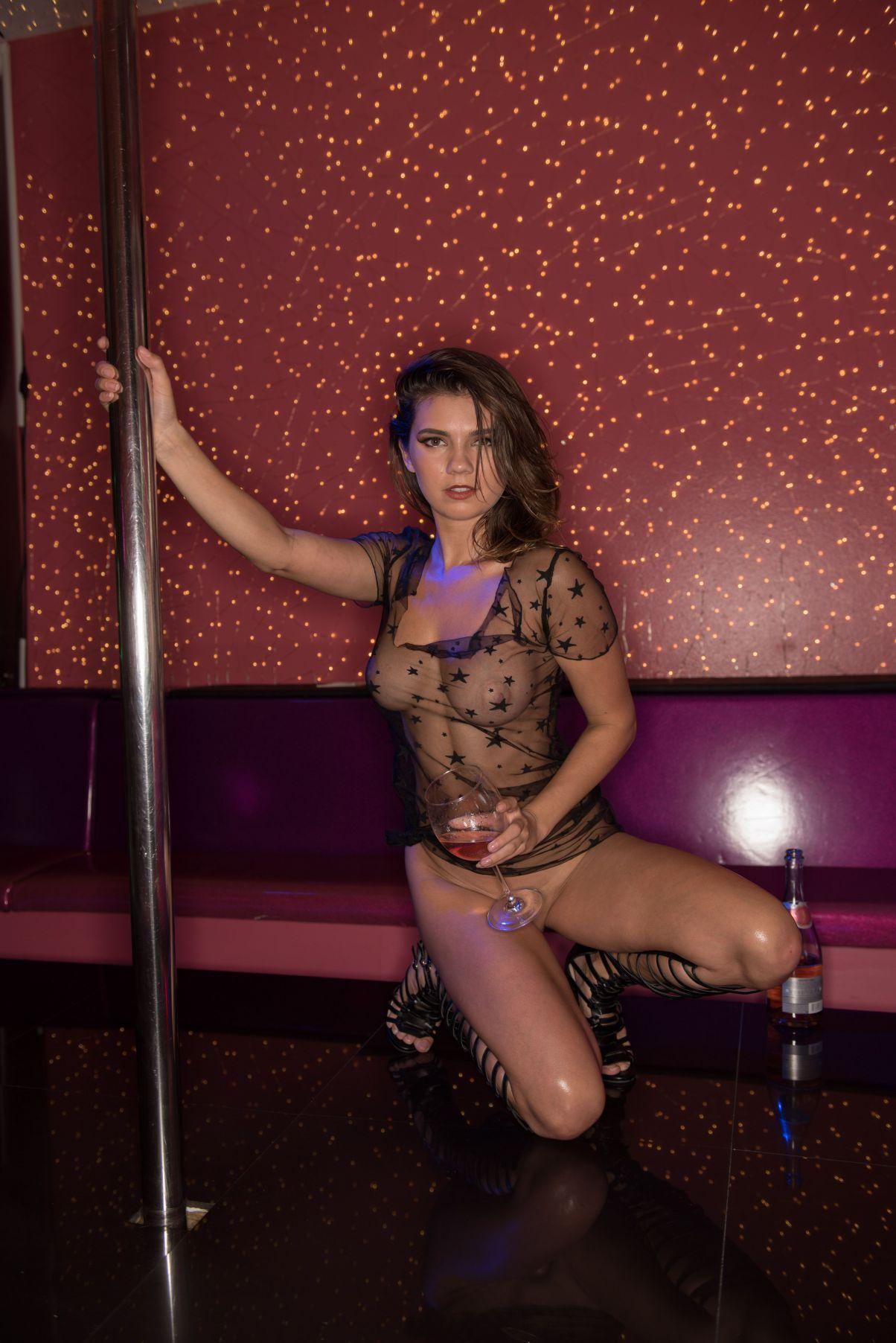 Porn movie Clitoris how-to video