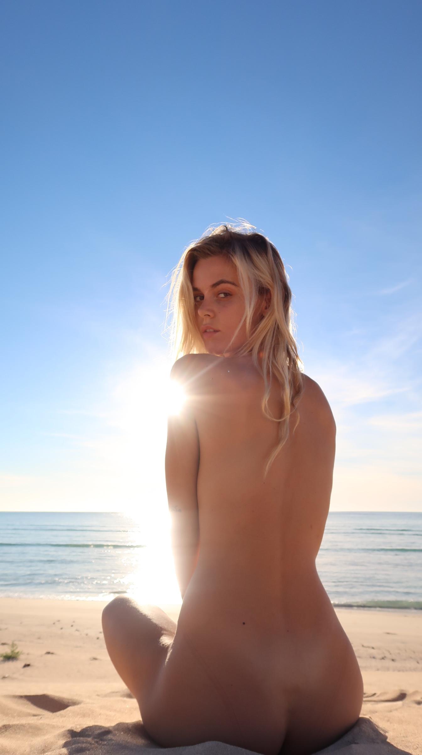 Amber Leigh West Westside Nude | Sexy Youtubers