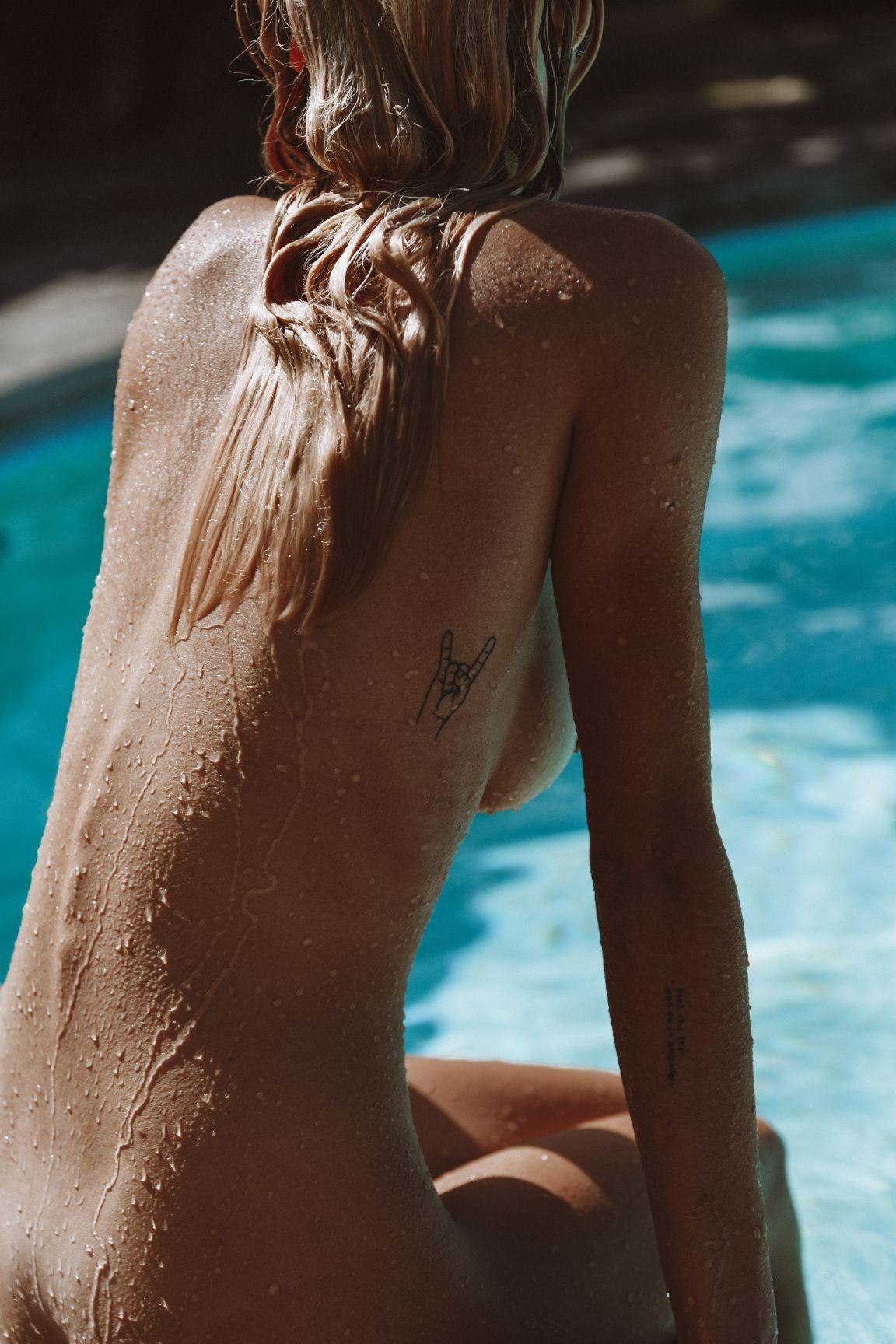 Amber Leigh West Hawaii Nude | Sexy Youtubers