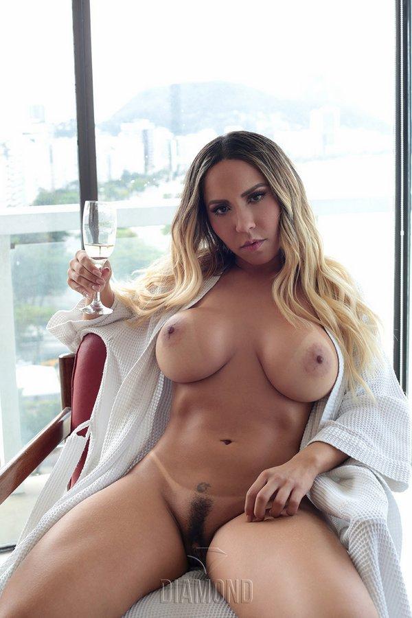 Melancia nude mulher Mulher melancia
