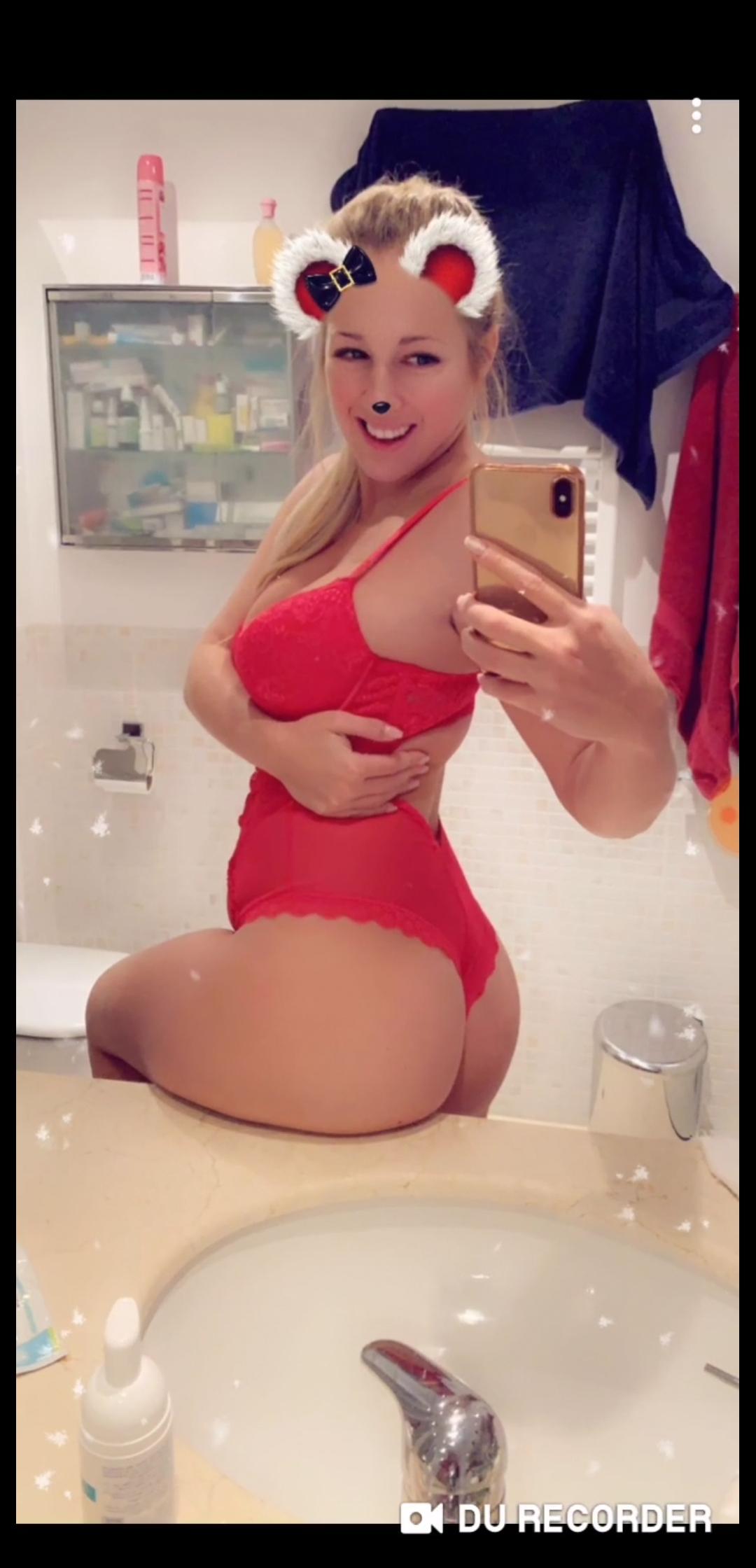 White Destiny Sexy Snapchat Photos