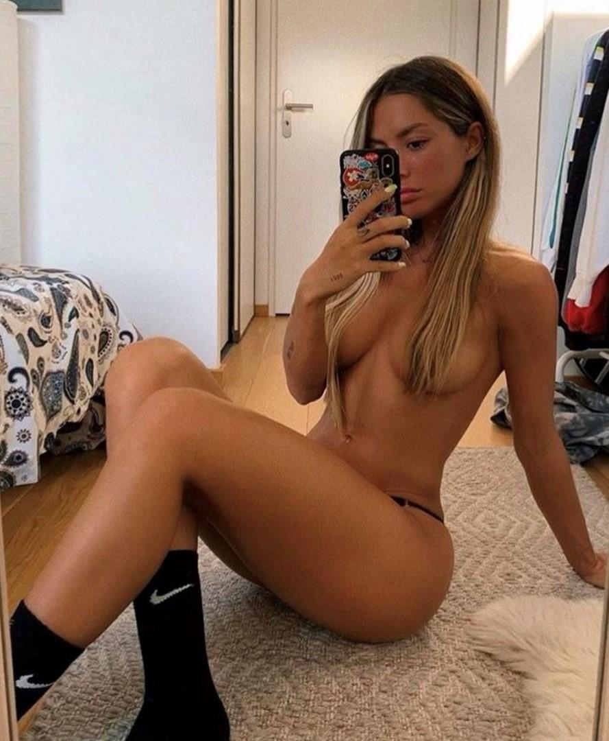 Mathilde Tantot Nude Snapchat