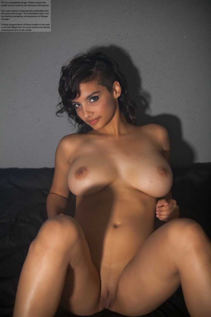 Nude Hot