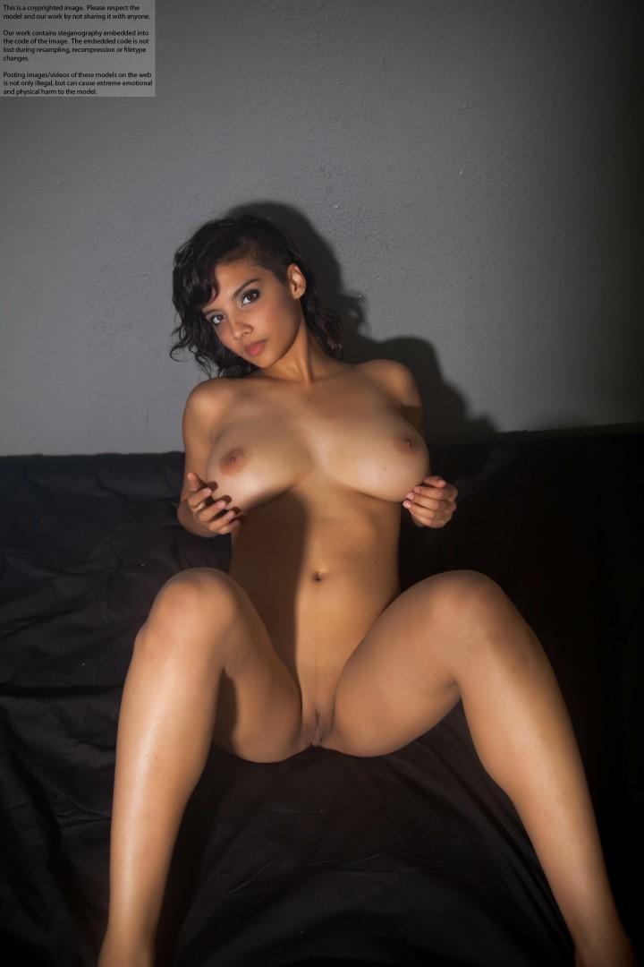 Shanaya nude
