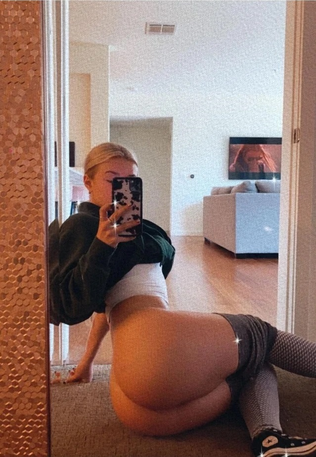 Katie Sigmond Nude & Teasing
